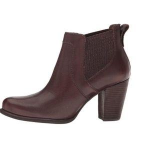 Ugg Australia Cobie II Leather Heeled Ankle Boots